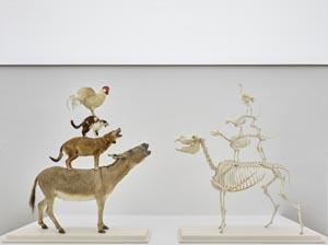 Maurizio Cattelan, Love Saves Life, 1995 & Love Lasts Forever, 1998, Kunsthalle Bremen – Der Kunstverein in Bremen, © Maurizio Cattelan, Foto: Marcus Meyer