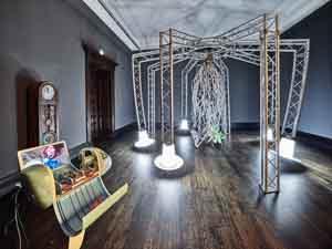 Raphaela Vogel, Fuge meam propinquitatem!, 2020, Installationsansicht Kunstpreis der Böttcherstraße in Bremen 2020, Kunsthalle Bremen, Courtesy Raphaela Vogel und BQ, Berlin, Foto: Marcus Meyer